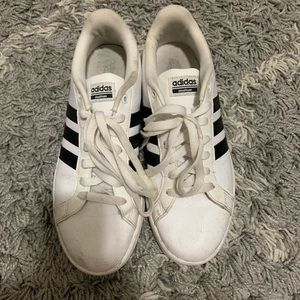 Adidas cloudfoam shoes. Women's 9.5